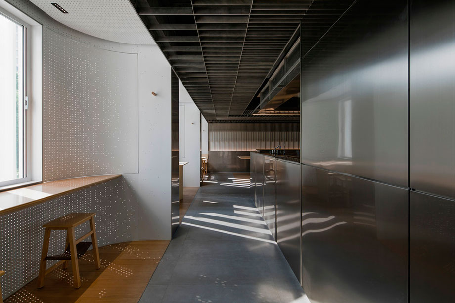 the zentral kitchen de lukstudio (4) - foto peter dixie