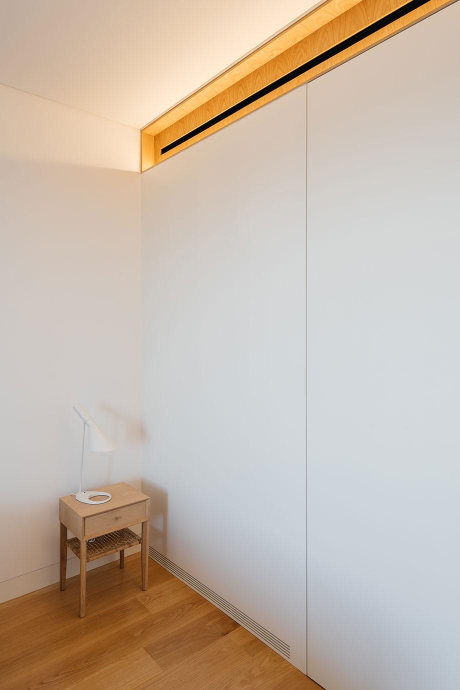 dos apartamentos en lisboa de aurora arquitectos (19) - foto do mal o menos