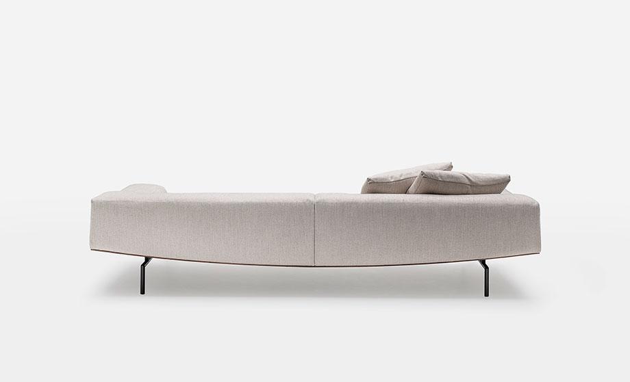 sofa sumo de piero lissoni para living divani (3) - foto cesare chimenti
