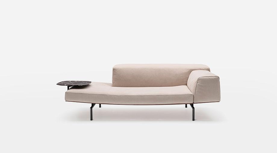 sofa sumo de piero lissoni para living divani (4) - foto cesare chimenti