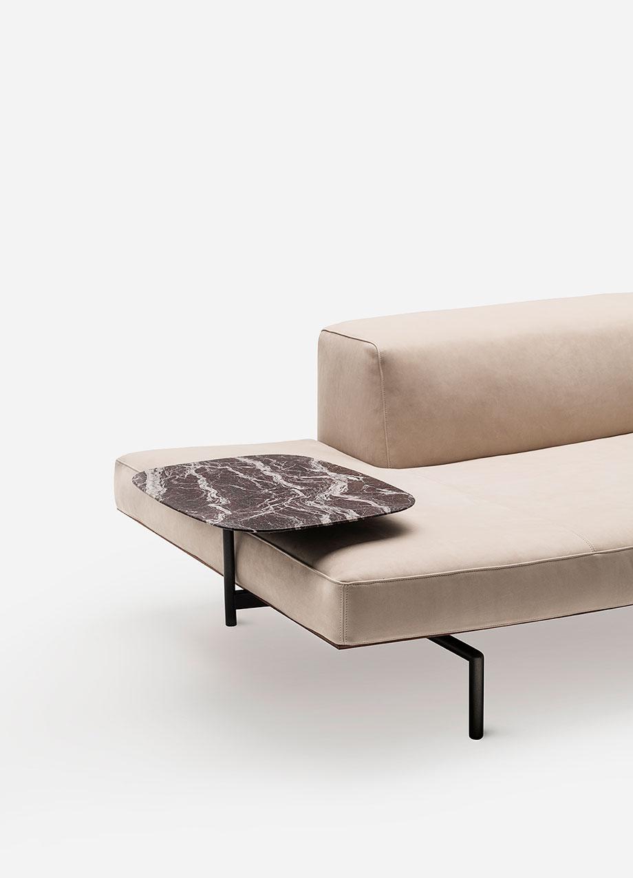 sofa sumo de piero lissoni para living divani (6) - foto cesare chimenti