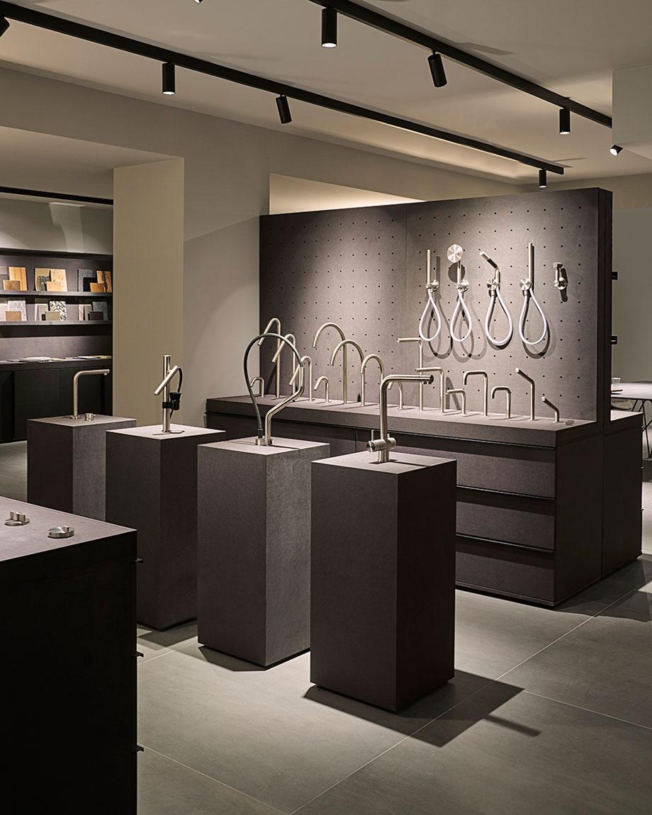 flagship store de quadro en el showroom de mo.1950 (4) - foto lorenzo pennati