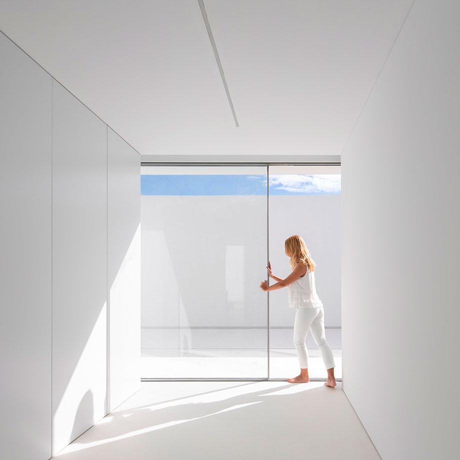 la casa del silencio de fran silvestre arquitectos (13) - foto fernando guerra