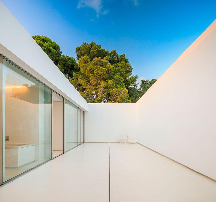 la casa del silencio de fran silvestre arquitectos (5) - foto fernando guerra