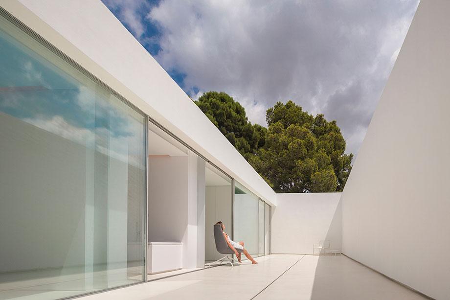 la casa del silencio de fran silvestre arquitectos (6) - foto fernando guerra