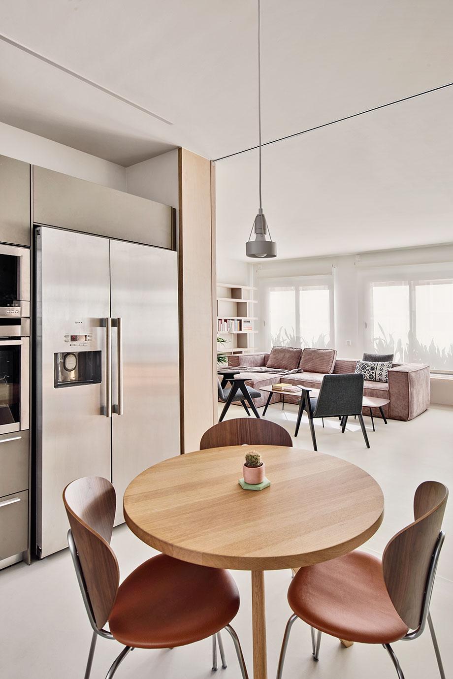 vivir la arquitectura - innovation showroom de pati nuñez y estudio vilablanch (5) - foto jose hevia