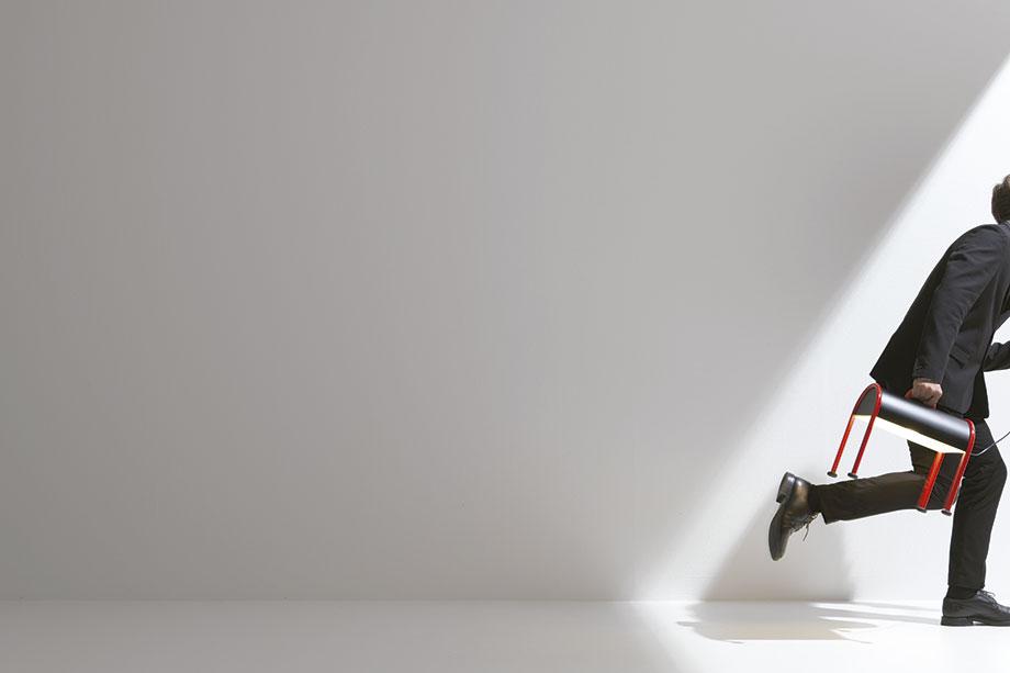 luminaria valigia de ettore sottsass para stilnovo (1) - foto gianni antoniali