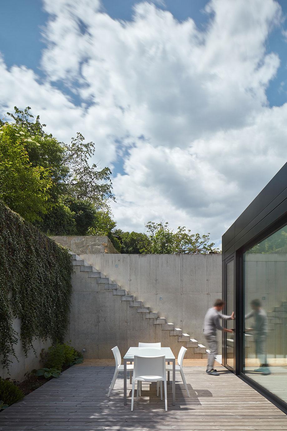 casa en river valley de kuba & pilar architekti (10) - foto boysplaynice