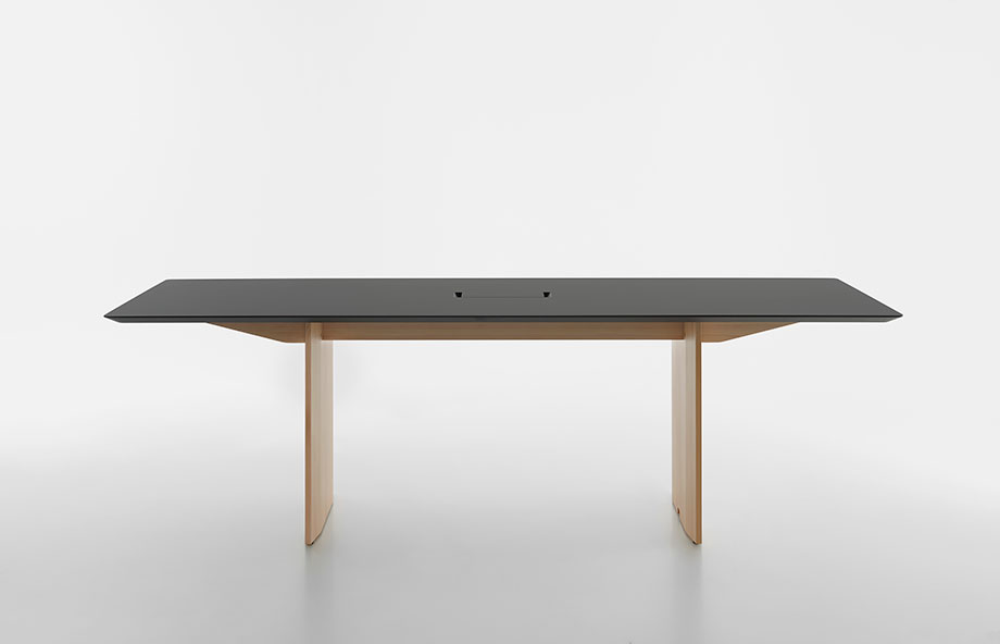 mesa fronda de industrial facility para mattiazzi (4) - foto miro zagnoli