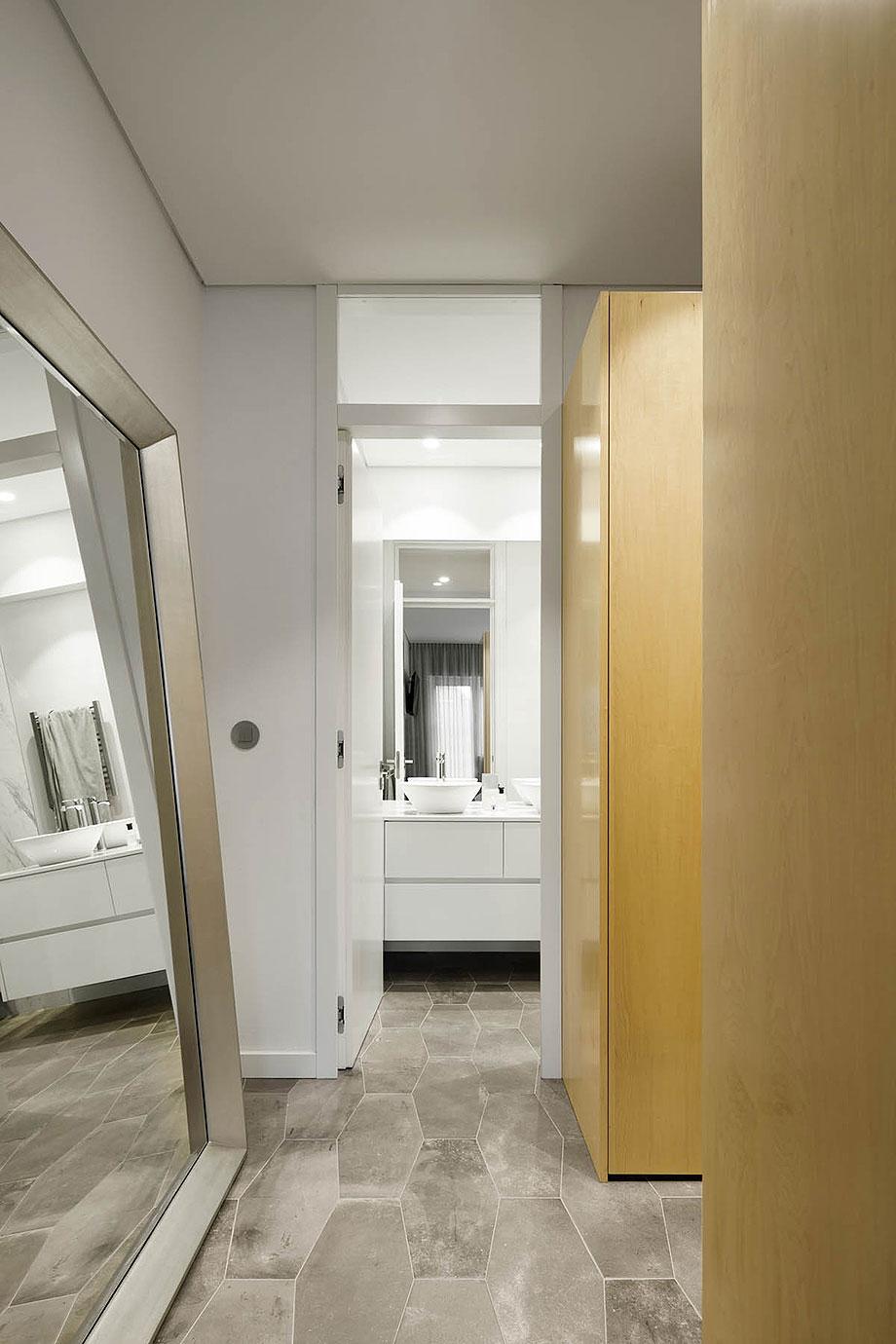 apartamento en oporto por paulo moreira architectures (19) - foto ivo tavares
