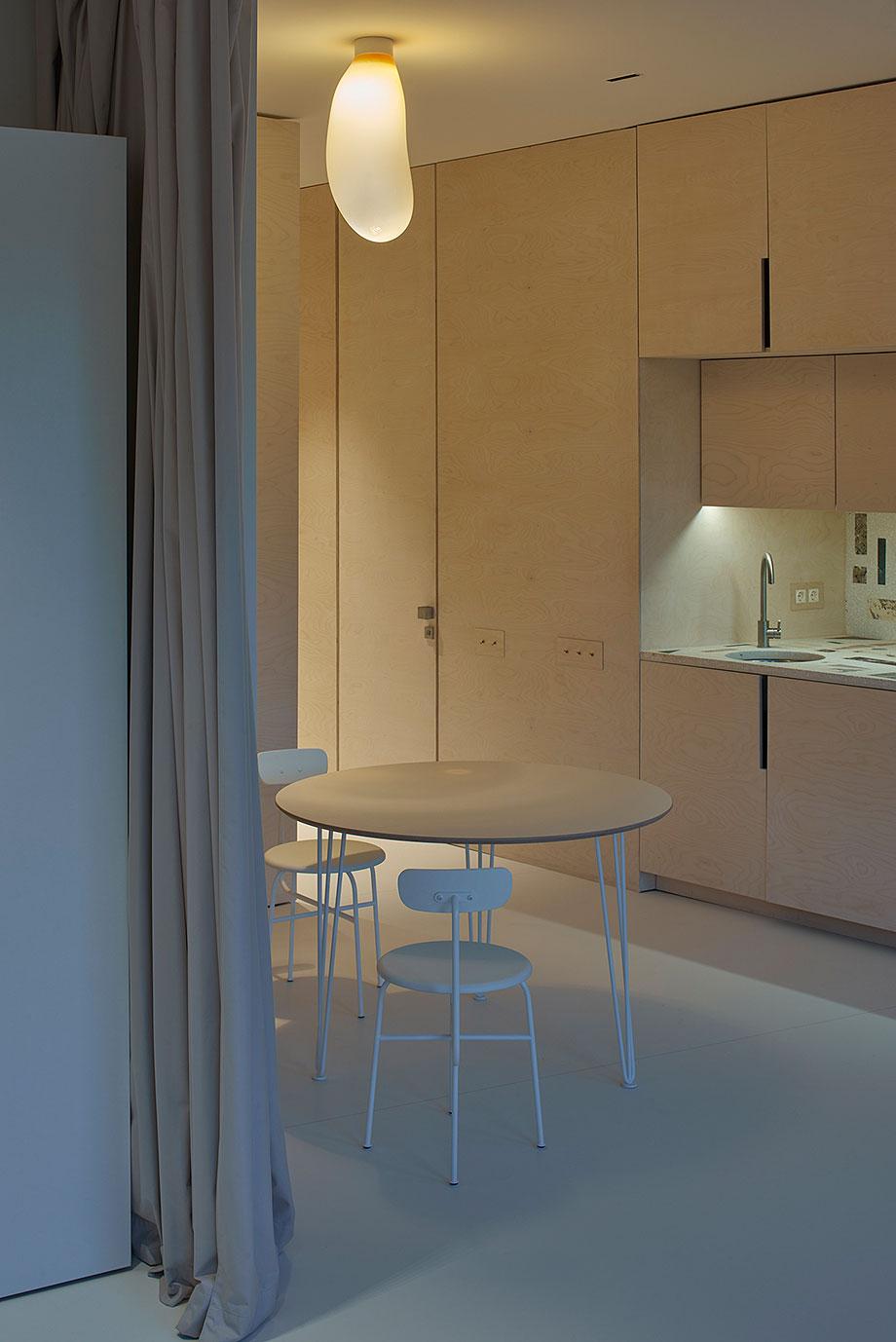 apartamento en vilna de sarkauskai architecture atelier (11) - foto darius petrulaitis