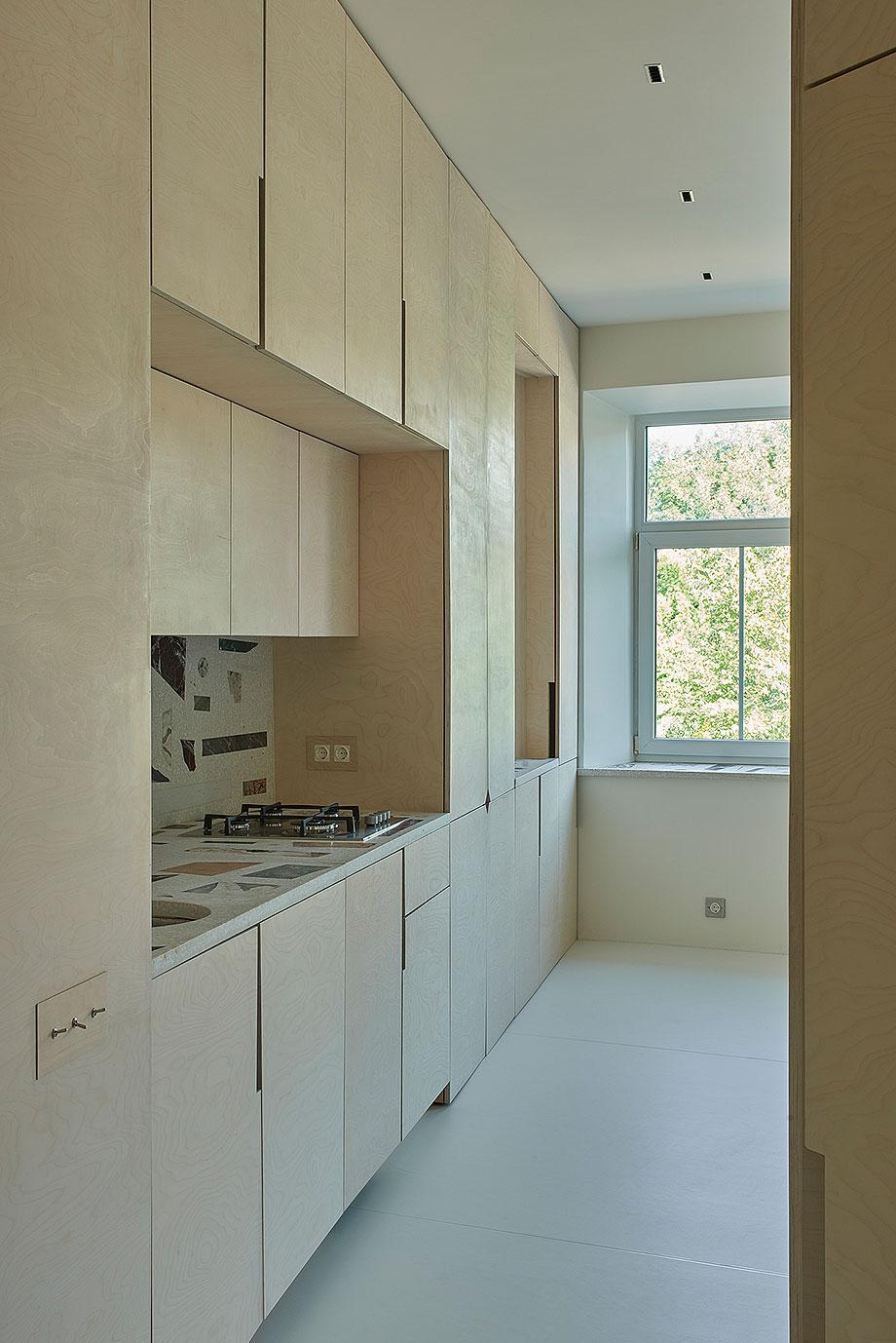 apartamento en vilna de sarkauskai architecture atelier (4) - foto darius petrulaitis