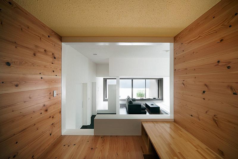 casa unifamiliar con tejado a dos aguas de form kouichi kimura (10) - foto takumi ota