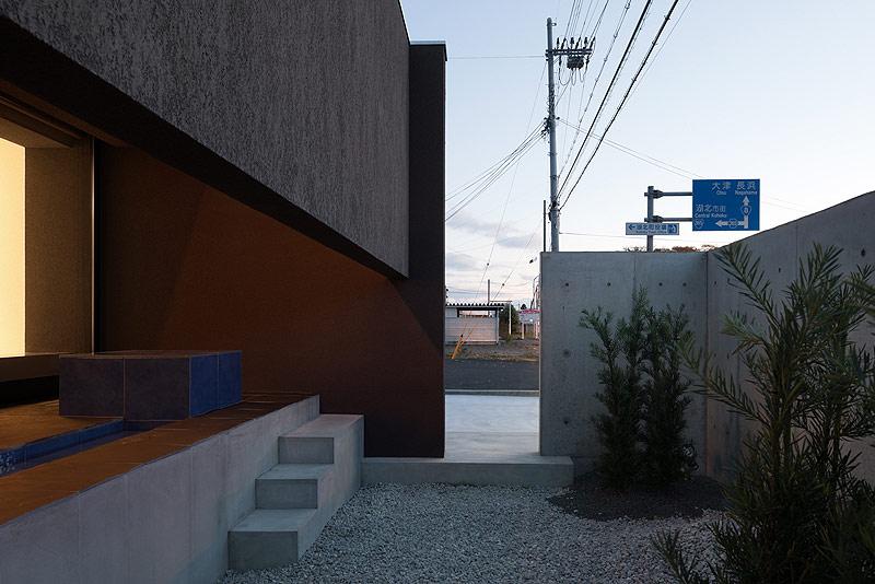 casa unifamiliar con tejado a dos aguas de form kouichi kimura (15) - foto takumi ota