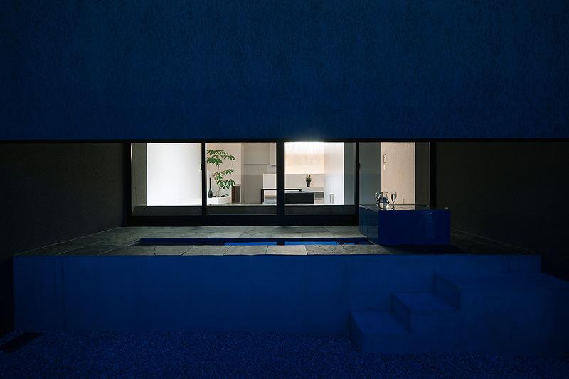casa unifamiliar con tejado a dos aguas de form kouichi kimura (17) - foto takumi ota