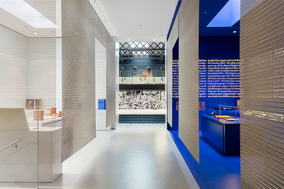 llibreria ona de mediapro exhibitions (5) - foto meritxell arjalaguer