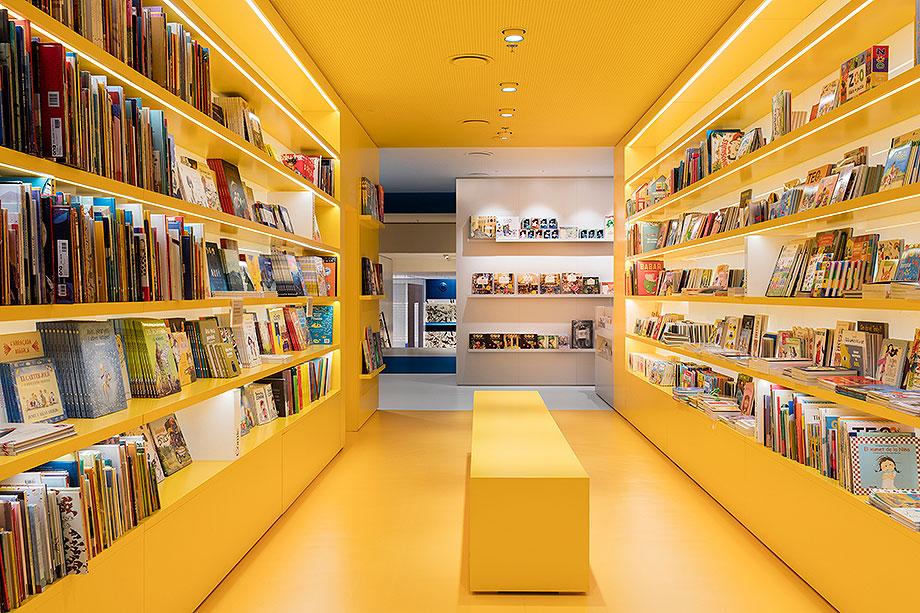 llibreria ona de mediapro exhibitions (7) - foto meritxell arjalaguer
