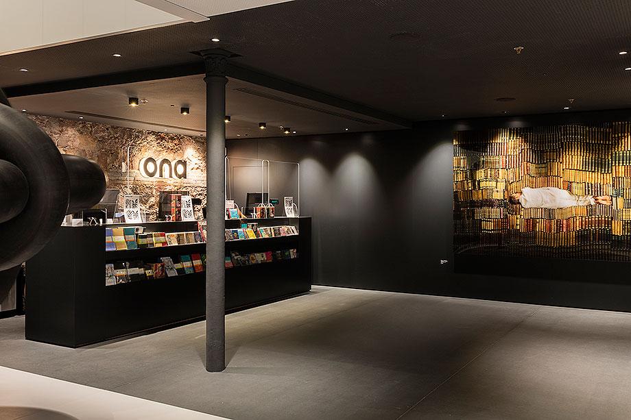 llibreria ona de mediapro exhibitions (9) - foto meritxell arjalaguer