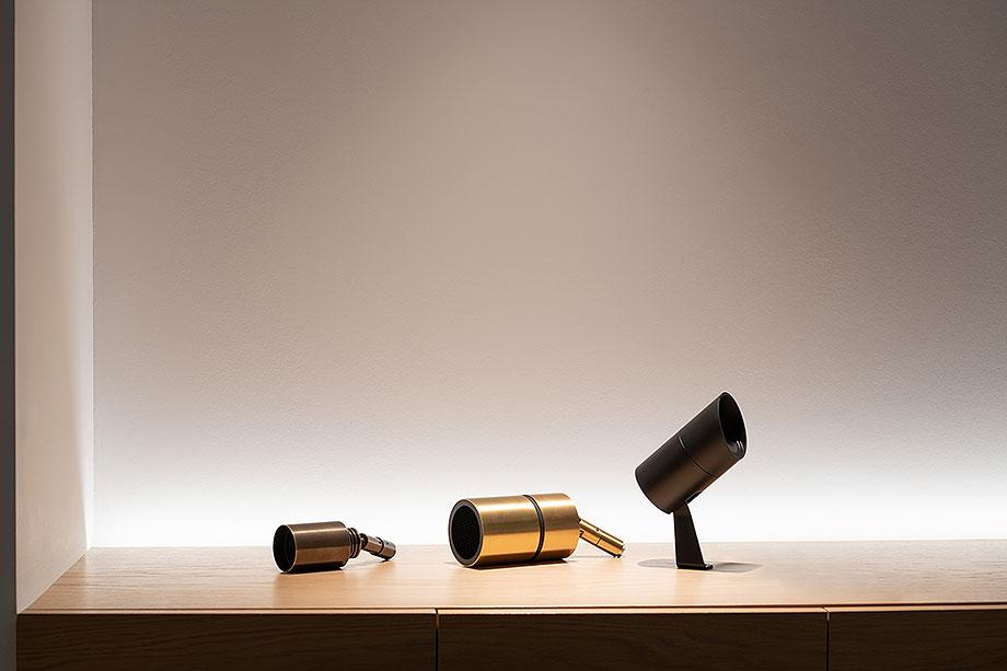 showroom difusiona lighting for architecture de marta alonso (7) - foto mario wurzburger