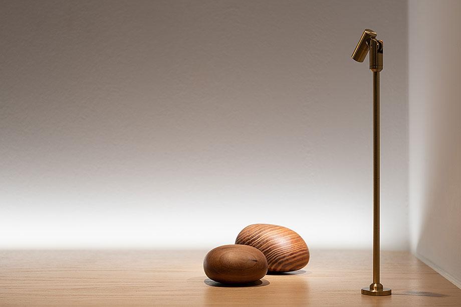 showroom difusiona lighting for architecture de marta alonso (8) - foto mario wurzburger