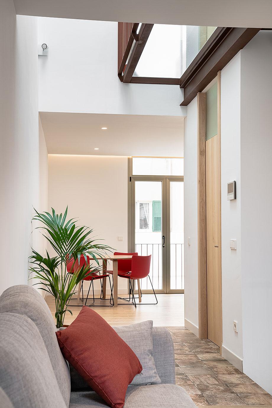 de garaje a vivienda por liniarquitectura (5) - foto laura tomas