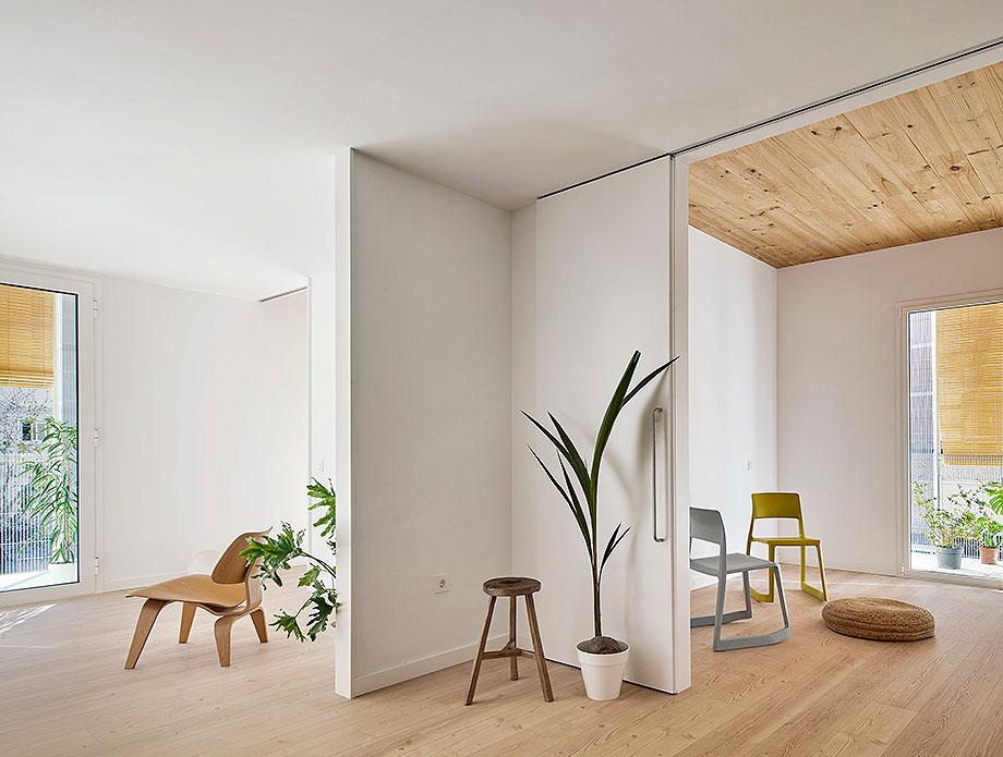 1. viviendas sociales en cornella de peris + toral (1) - foto jose hevia