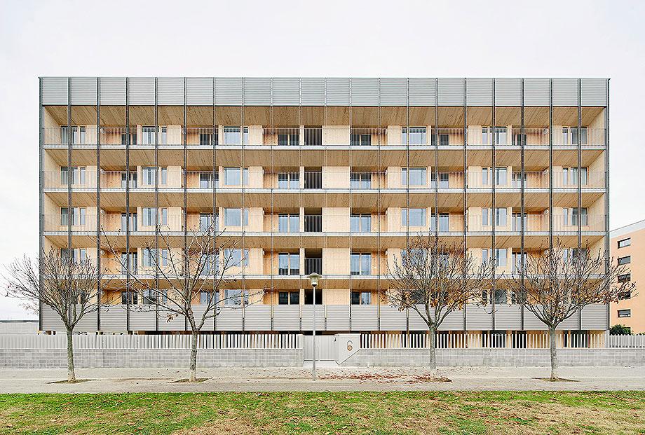 2. bloque 6x6 en girona de bosch.capdeferro arquitectura (1) - foto jose hevia