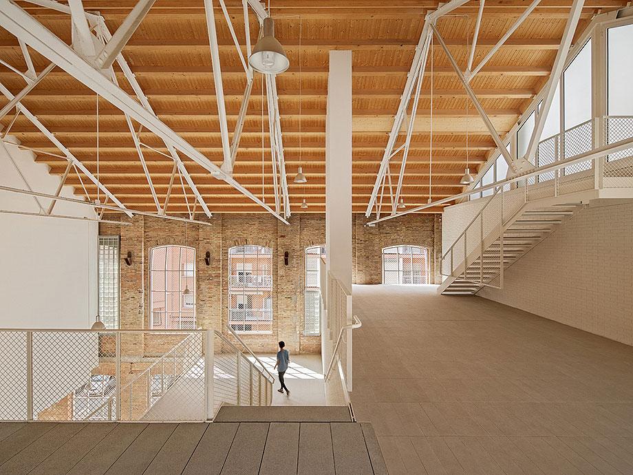3. fabra & coats vivienda social en barcelona de roldan berengue arquitects (1) - foto jordi surroca