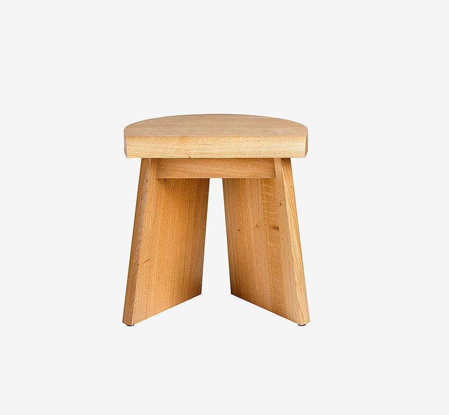 taburete de madera de roble portao de christian haas y favius (6)