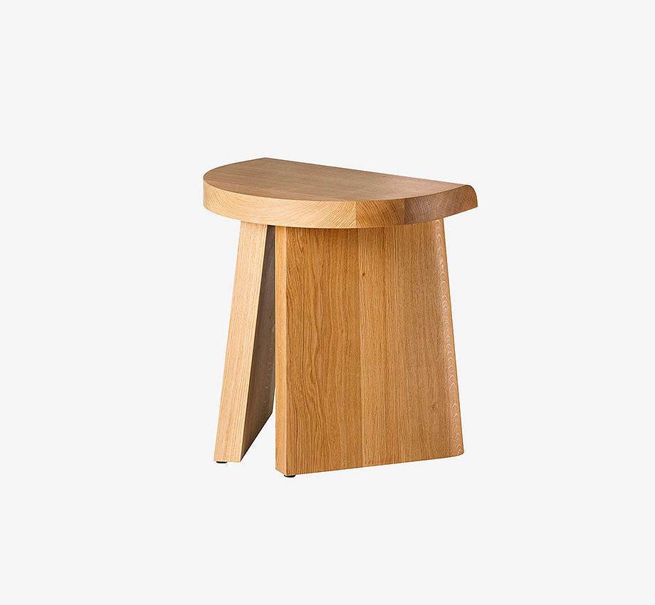 taburete de madera de roble portao de christian haas y favius (7)