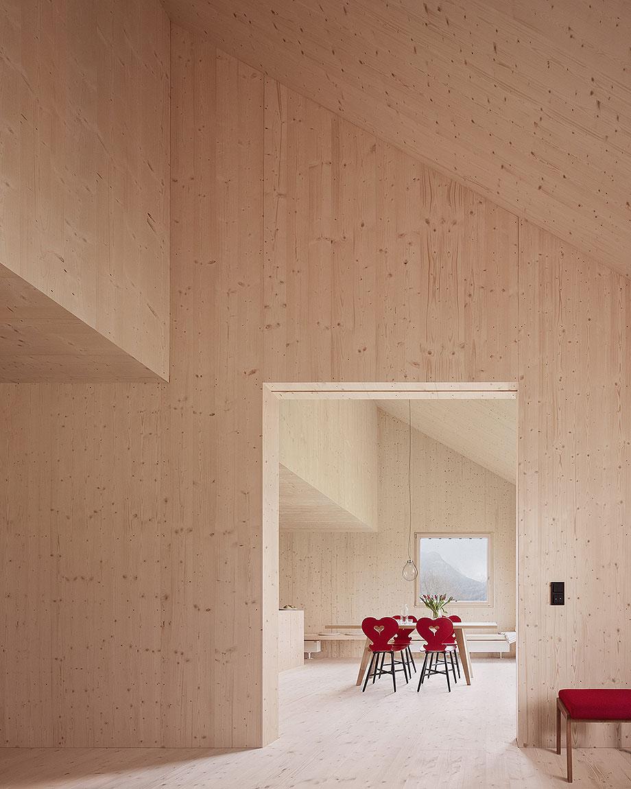 casa de madera de abeto de mwarchitekten (2) - foto adolf bereuter