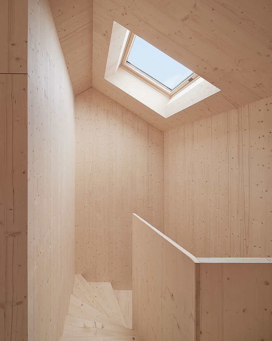 casa de madera de abeto de mwarchitekten (3) - foto adolf bereuter