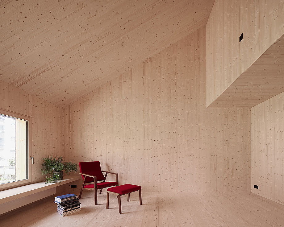 casa de madera de abeto de mwarchitekten (5) - foto adolf bereuter