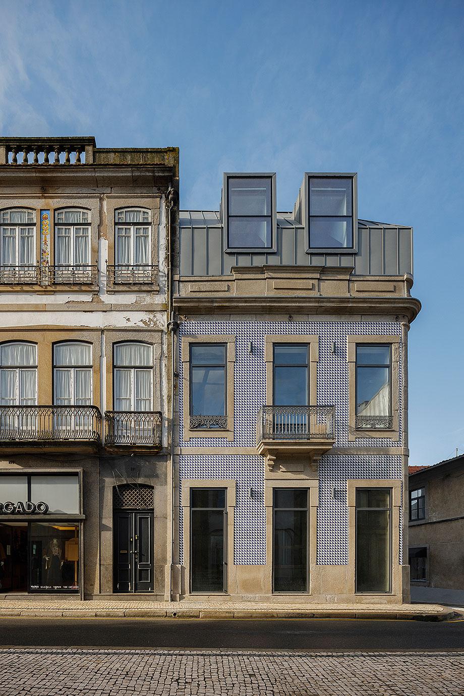 edificio sra da luz en oporto por as arquitecto (1) - foto ivo tavares