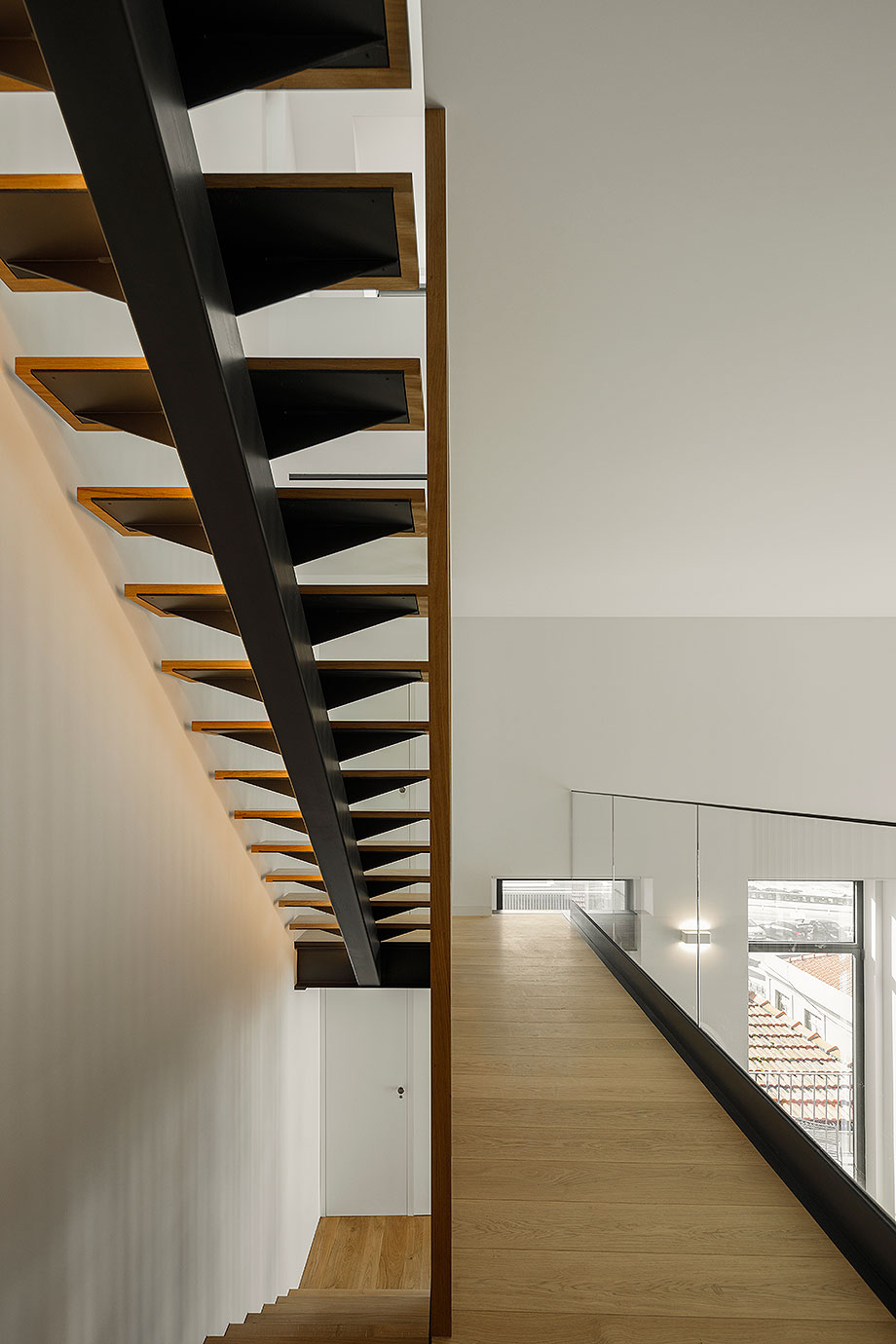 edificio sra da luz en oporto por as arquitecto (14) - foto ivo tavares
