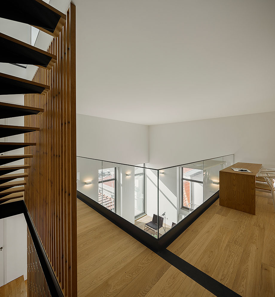 edificio sra da luz en oporto por as arquitecto (17) - foto ivo tavares