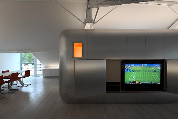loft futurista en lieja de daniel dethier (22) - foto serge brison