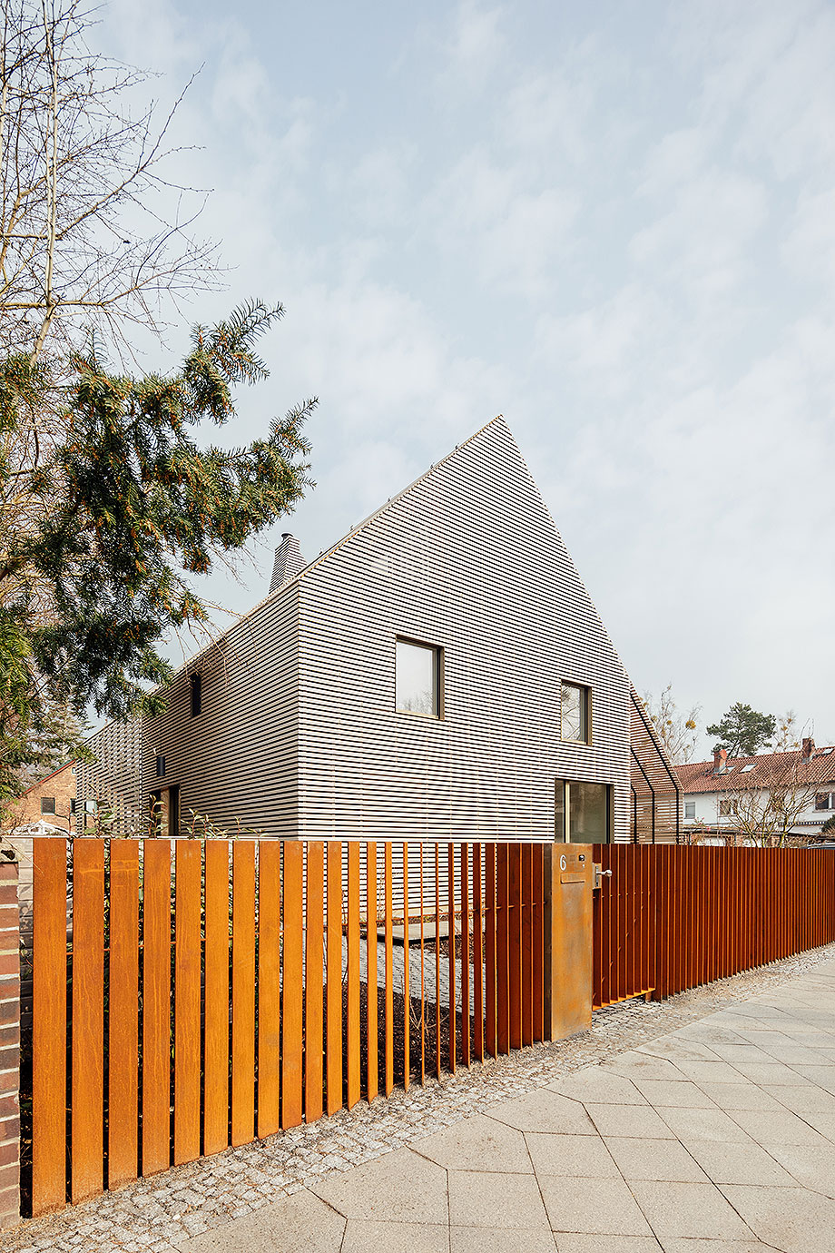 la casa de la pergola de rundzwei architekten (1) - foto gui rebelo
