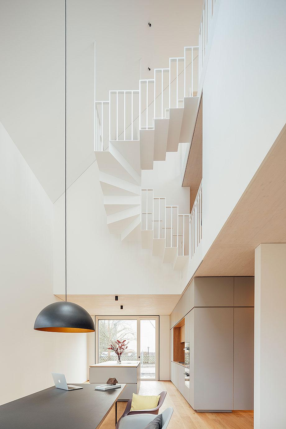 la casa de la pergola de rundzwei architekten (10) - foto gui rebelo
