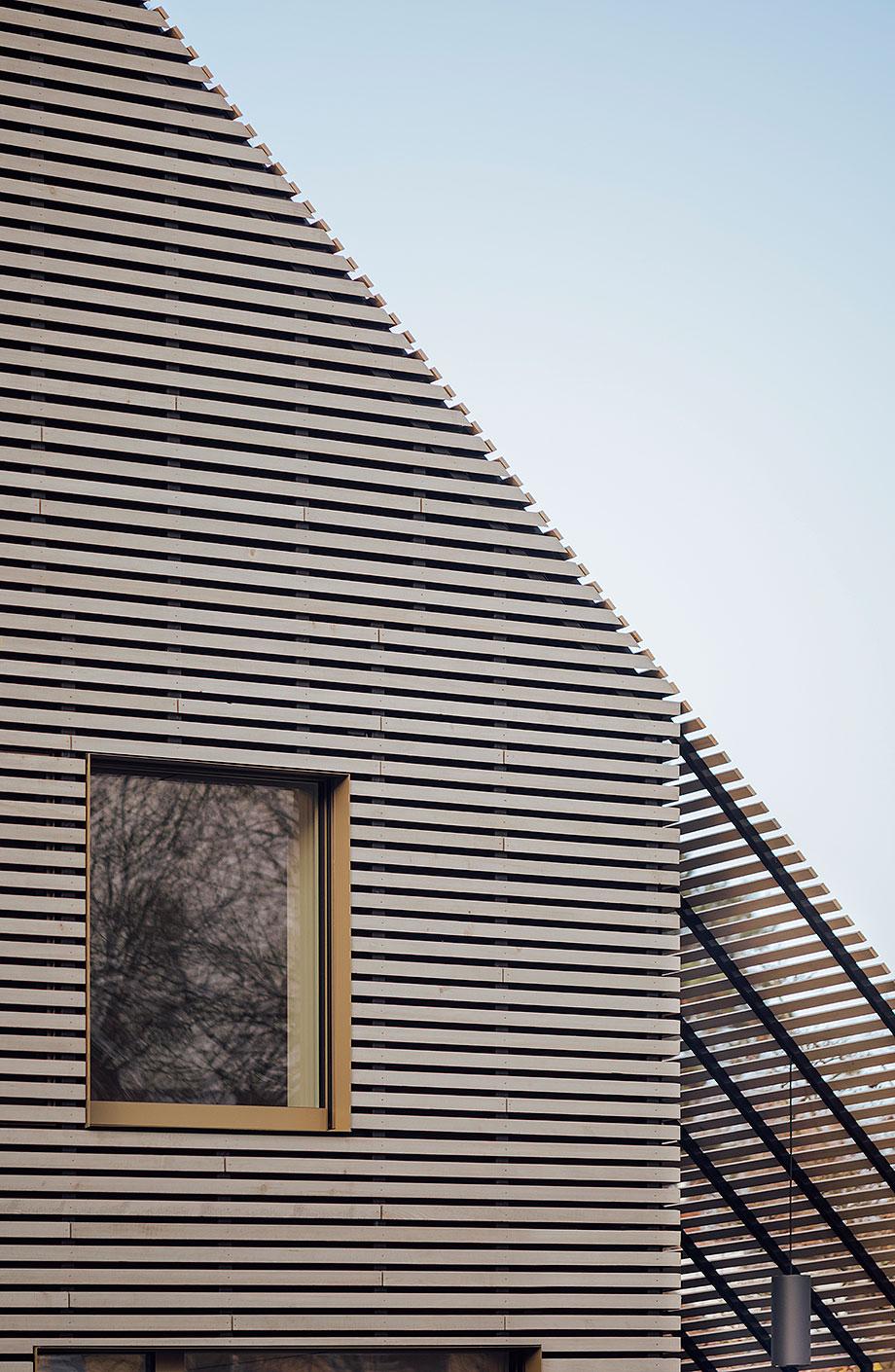 la casa de la pergola de rundzwei architekten (16) - foto gui rebelo