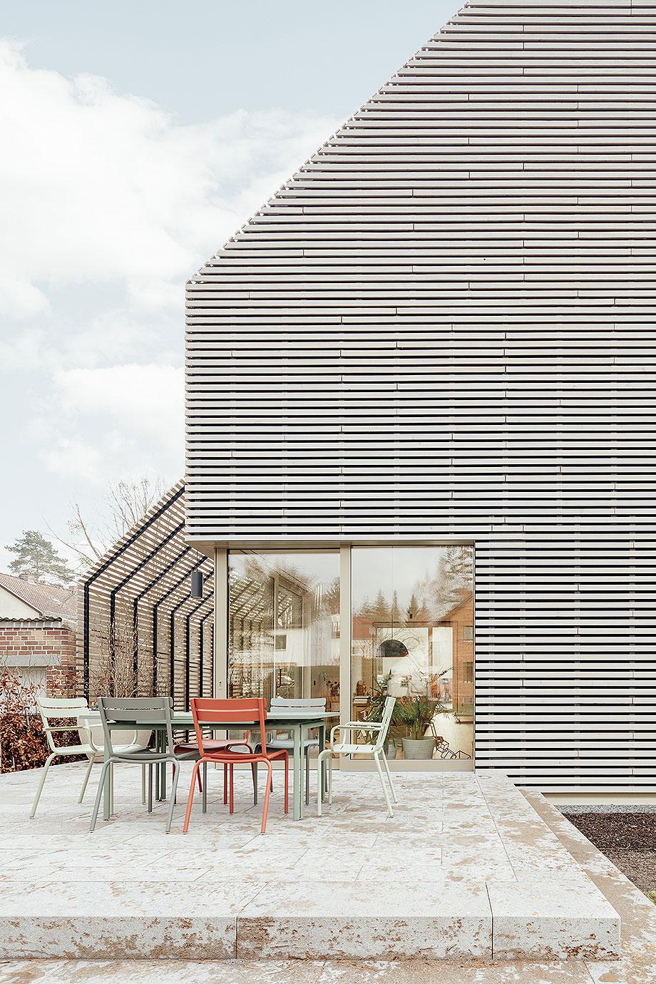 la casa de la pergola de rundzwei architekten (2) - foto gui rebelo
