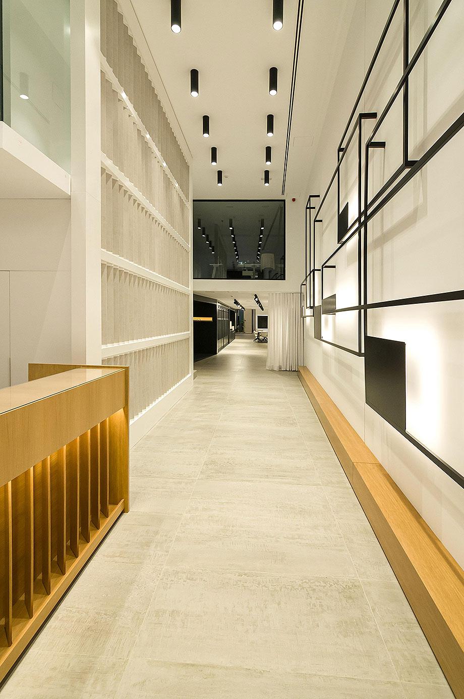 showroom undefasa en alcora de vitale (4) - foto diego suárez (vitale)