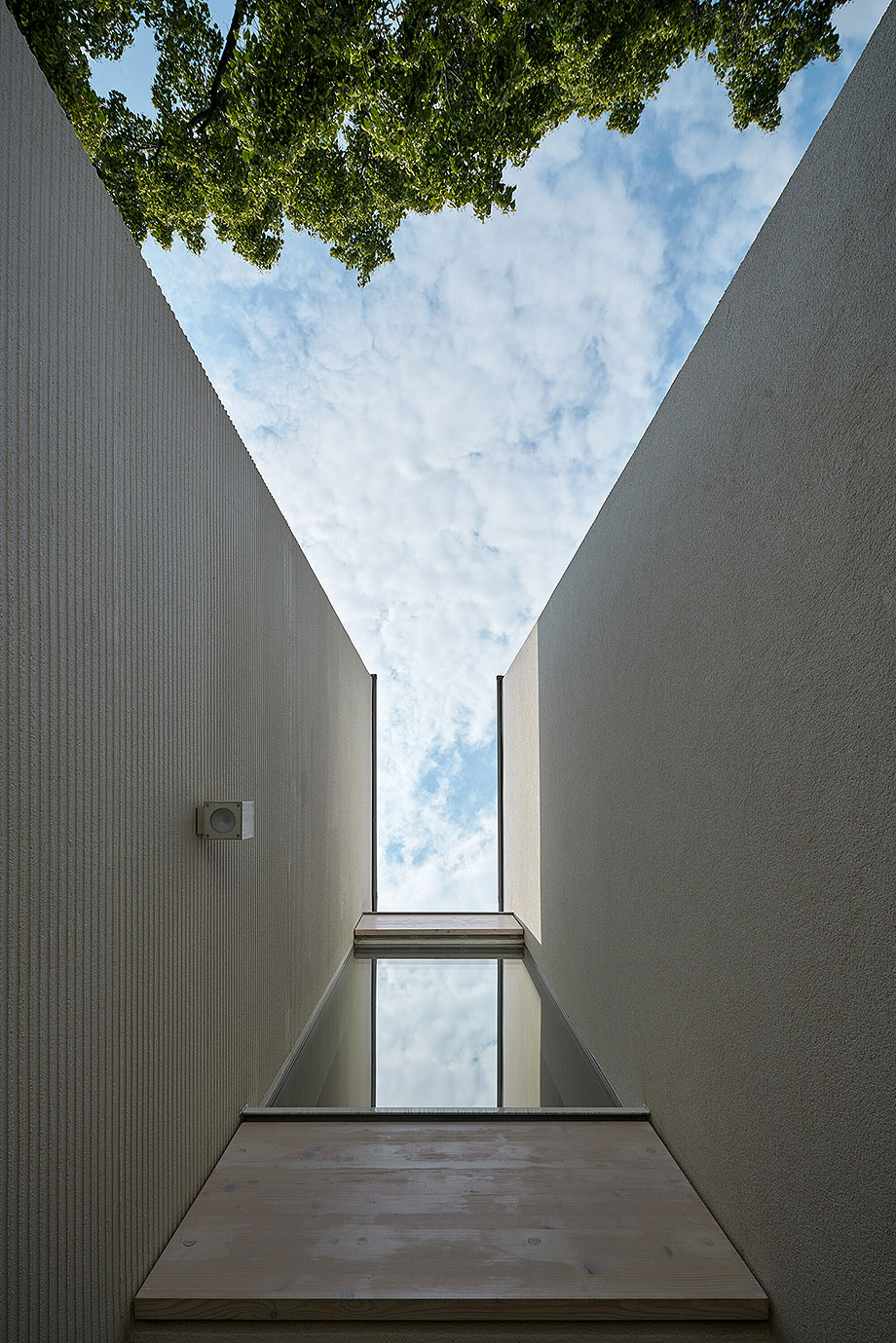 casa lhotka en praga de soa architekti y richter design (2) - foto boysplaynice
