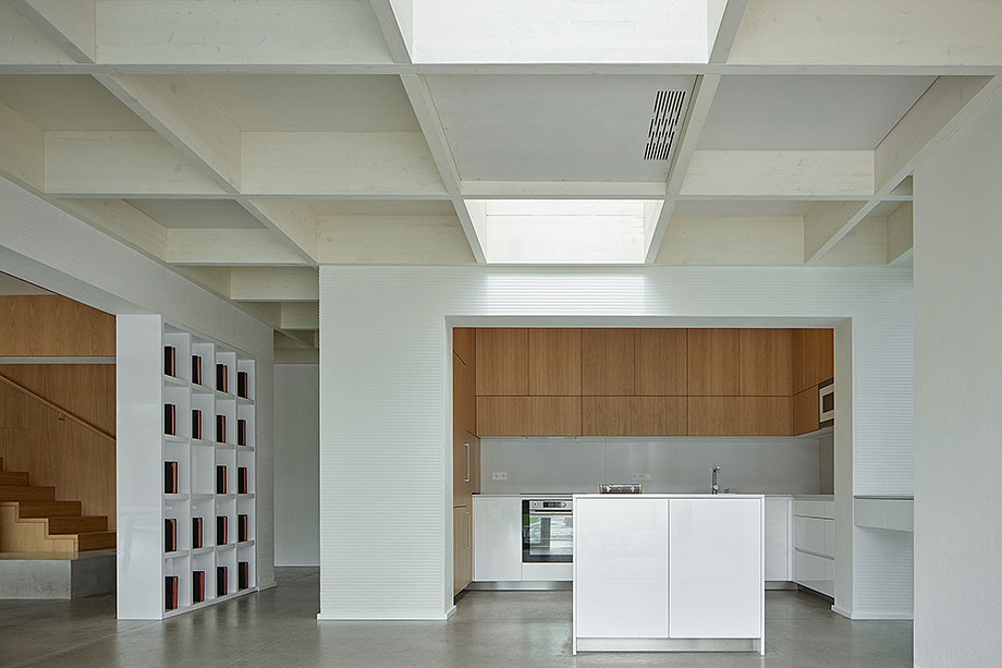 casa lhotka en praga de soa architekti y richter design (5) - foto boysplaynice