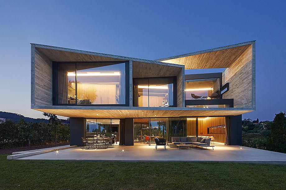 casa en matadera con cerramientos technal de joan folch arquitectes (1) - foto jordi miralles