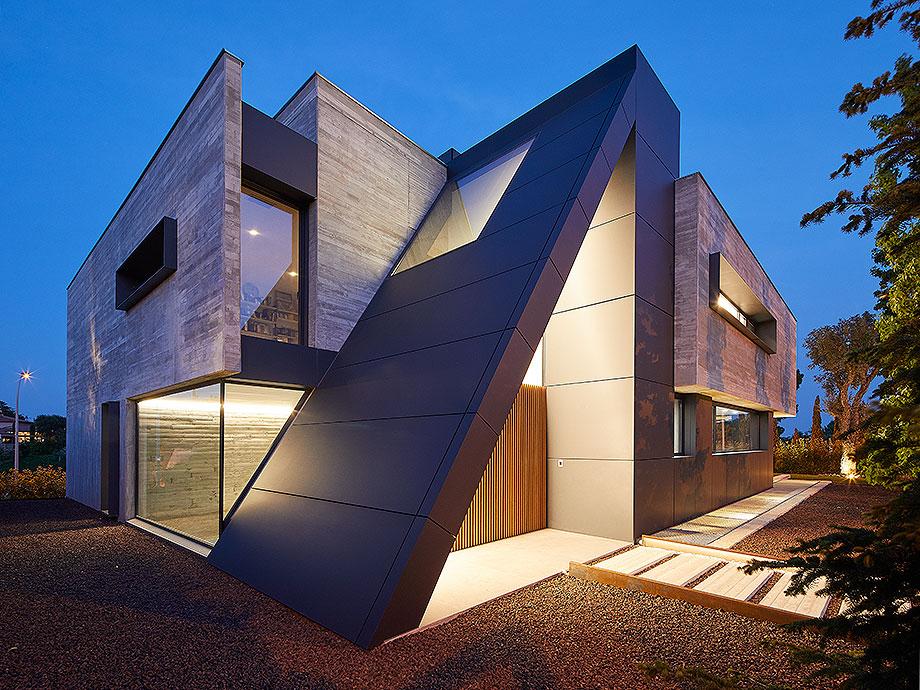 casa en matadera con cerramientos technal de joan folch arquitectes (5) - foto jordi miralles