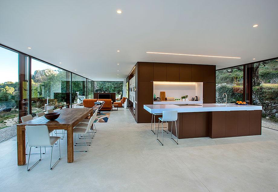 casa con cerramientos technal de stef rogiers design (1) - foto pasqual cabrera