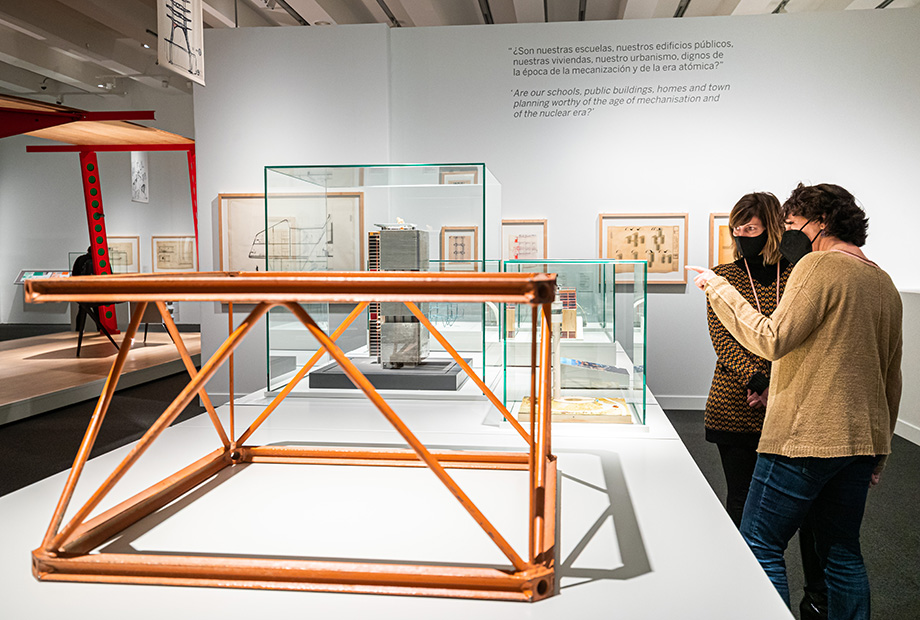 el universo de Jean Prouvé. arquitectura industria mobiliario exposicion caixaforum madrid (2)