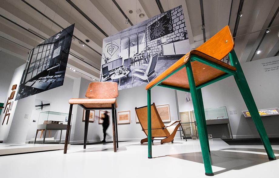 el universo de Jean Prouvé. arquitectura industria mobiliario exposicion caixaforum madrid (4)